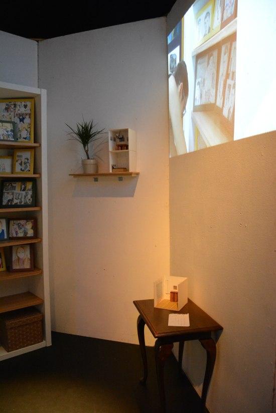 ZsofiaHajdu - Sixtangle, installation with video projection2016.